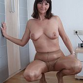 Girls pantyhose amateur.