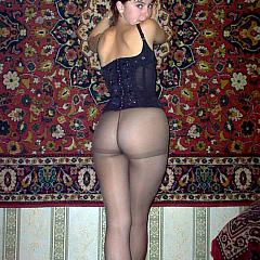 Pantyhose-Stockings wench.