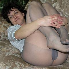 Pantyhose-Stockings flashing.